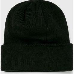 New Era - Czapka. Czarne czapki zimowe męskie New Era, z dzianiny. Za 99,90 zł.