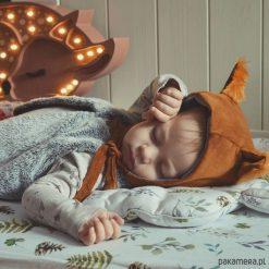 Czapka bonetka Wiewiórka. Szare czapeczki niemowlęce marki Pakamera, z bawełny. Za 98,00 zł.