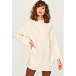 Sweter ze stójką - Kremowy. Białe swetry klasyczne damskie Reserved, l, ze stójką. Za 79,99 zł.