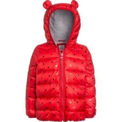 GAP PUFFER BABY Kurtka zimowa modern red. Czerwone kurtki chłopięce przeciwdeszczowe GAP, na zimę, z materiału. W wyprzedaży za 186,75 zł.