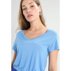 T-shirty damskie: Kaffe ANNA V NECK  Tshirt basic lake blue