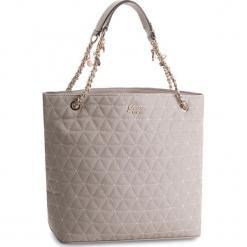 Torebka GUESS - HWVG69 88230 CLD. Szare torebki klasyczne damskie marki Guess, z aplikacjami, ze skóry ekologicznej, duże. Za 649,00 zł.