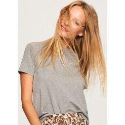 Gładki t-shirt z lyocellem - Jasny szar. Różowe t-shirty damskie Reserved, l, z lyocellu. Za 49,99 zł.