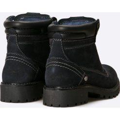 Wrangler - Buty. Niebieskie buty zimowe damskie marki Wrangler, z materiału, z okrągłym noskiem, na sznurówki. W wyprzedaży za 199,90 zł.