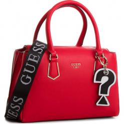 Torebka GUESS - HWVG68 76060 LIP. Czerwone torebki klasyczne damskie Guess, z aplikacjami, ze skóry ekologicznej. Za 629,00 zł.