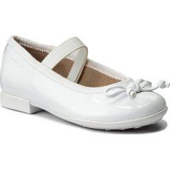 Baleriny GEOX - J Plie' I J5455I 000HH C1000 M White. Białe baleriny dziewczęce marki Born2be, z materiału, na sznurówki. W wyprzedaży za 189,00 zł.