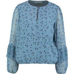 Gestuz JEANETT Bluzka blue. Niebieskie bluzki damskie Gestuz, z materiału. W wyprzedaży za 367,20 zł.