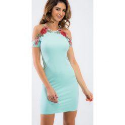 Miętowa dopasowana sukienka z haftami 6183. Zielone sukienki marki Fasardi, m, z haftami, dopasowane. Za 59,00 zł.