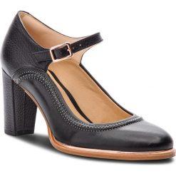 Półbuty CLARKS - Ellis Mae 261378004 Black Leather. Czarne półbuty damskie skórzane marki Clarks, eleganckie, na obcasie. W wyprzedaży za 249,00 zł.