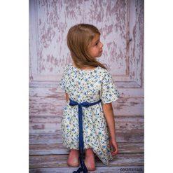 Sukienka Flanelowa Kwiaty. Szare sukienki dziewczęce w kwiaty marki Pakamera, z bawełny. Za 110,00 zł.