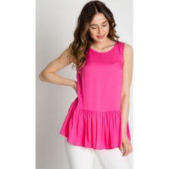 Różowa bluzka z falbaną  BIALCON. Czerwone bluzki z falbaną marki BIALCON, z tkaniny, z falbankami, na ramiączkach. W wyprzedaży za 123,00 zł.