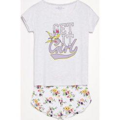 Piżama z szortami - Jasny szar. Szare piżamy męskie marki Reserved, l. W wyprzedaży za 39,99 zł.