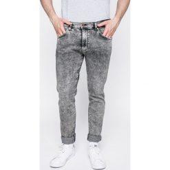 Wrangler - Jeansy Larston Snow Flake. Białe jeansy męskie z dziurami Wrangler. W wyprzedaży za 219,90 zł.
