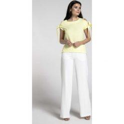 Żółta Bluzka z Wiązanymi Rękawami. Żółte bluzki asymetryczne Molly.pl, l, z jeansu, biznesowe, z kokardą, z krótkim rękawem. Za 128,90 zł.