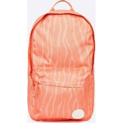 Converse - Plecak. Różowe plecaki damskie marki Converse, w paski, z poliesteru. W wyprzedaży za 99,90 zł.