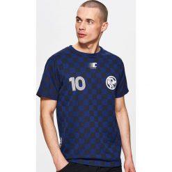 Koszulki sportowe męskie: Piłkarska koszulka w szachownicę – Granatowy