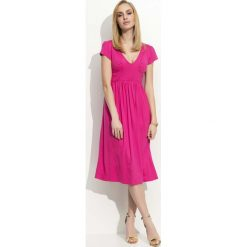 Fuksja Sukienka Midi z Marszczeniami. Czerwone sukienki mini marki Molly.pl, l, z jeansu, biznesowe, z dekoltem na plecach, z długim rękawem. Za 91,90 zł.