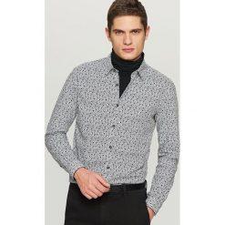 Wzorzysta koszula slim fit - Biały. Czarne koszule męskie slim marki Reserved. Za 99,99 zł.