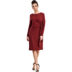 Bordowa Sukienka Elegancka z Asymetryczną Nakładką. Czerwone sukienki asymetryczne marki Molly.pl, l, z elastanu, eleganckie, z asymetrycznym kołnierzem. Za 135,90 zł.