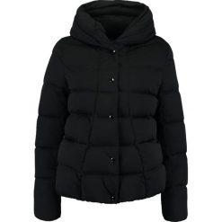 Opus HAMZA Kurtka puchowa black. Czarne kurtki damskie puchowe Opus, z materiału. W wyprzedaży za 345,95 zł.