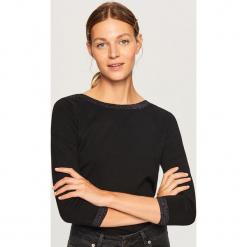 Lekki sweter z brokatową nitką - Czarny. Czarne swetry klasyczne damskie Reserved, l. Za 59,99 zł.