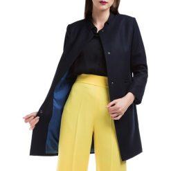 Płaszcz damski 84-9W-101-7. Szare płaszcze damskie marki QUIOSQUE, uniwersalny, w paski, eleganckie. Za 449,00 zł.