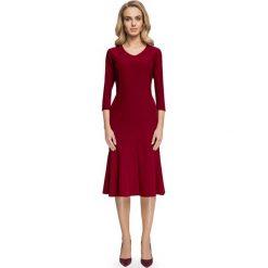 Sukienki: Bordowa Dopasowana Sukienka Midi Rozszerzana u Dołu