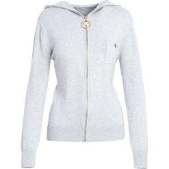 Jasnoszary Kardigan It's Your Choice. Szare swetry klasyczne damskie marki Reserved, m, z kapturem. Za 74,99 zł.