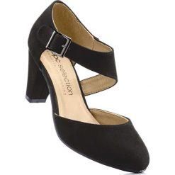 Czółenka z paskiem bonprix czarny. Czarne buty ślubne damskie bonprix, na obcasie. Za 99,99 zł.