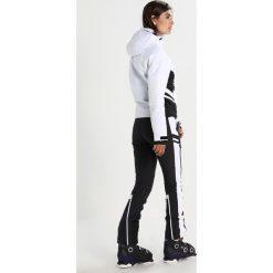 Superdry SUPER SLALOM Kurtka snowboardowa white. Białe kurtki damskie narciarskie Superdry, m, z materiału. W wyprzedaży za 871,20 zł.