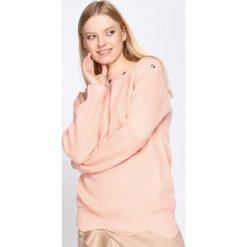 Jasnoróżowy Sweter Will It Burst. Czerwone bluzki damskie Born2be, uniwersalny. Za 39,99 zł.
