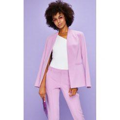 Answear - Żakiet Violet Kiss. Różowe marynarki i żakiety damskie marki ANSWEAR, l, z elastanu, eleganckie. W wyprzedaży za 149,90 zł.