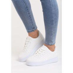 Białe Buty Sportowe Global Spirit. Szare buty sportowe damskie marki Born2be. Za 69,99 zł.
