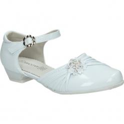 Białe buty komunijne Casu 7KM-214. Białe buciki niemowlęce marki Casu. Za 59,99 zł.