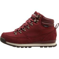 The North Face BACK TO BERKELEY REDUX Buty trekkingowe barolo red/vintage. Czerwone buty trekkingowe damskie The North Face, z materiału. W wyprzedaży za 439,20 zł.