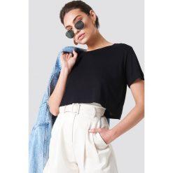 T-shirty damskie: NA-KD Basic Krótki t-shirt z okrągłym dekoltem - Black