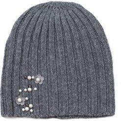 Czapka damska Perłowe kwiaty szara. Białe czapki zimowe damskie marki Art of Polo, w kwiaty. Za 39,22 zł.