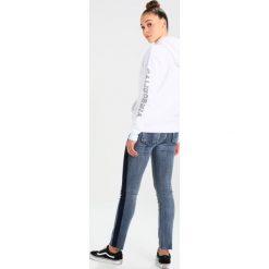 Bluzy rozpinane damskie: Hollister Co. CORE Bluza z kapturem white