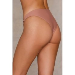 NA-KD Swimwear Dół bikini z metalowymi kółkami - Pink. Różowe bikini marki NA-KD Swimwear. Za 19,95 zł.