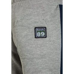 Bench BRANDED  Spodnie treningowe grey marl. Czarne jeansy chłopięce marki bonprix, z aplikacjami. Za 129,00 zł.