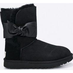 UGG - Buty Daelynn. Szare buty zimowe damskie marki Ugg, z materiału, z okrągłym noskiem. W wyprzedaży za 699,90 zł.