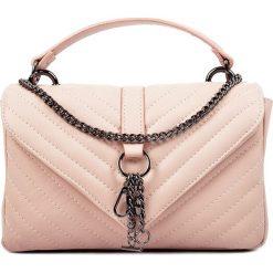 Torebki klasyczne damskie: Skórzana torebka w kolorze cielistym – 15 x 23 x 7,5 cm