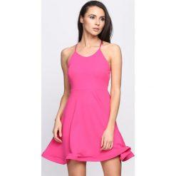 Fuksjowa Sukienka Like That. Różowe sukienki letnie marki Born2be, s. Za 64,99 zł.