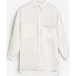 Koszula o satynowym połysku - Biały. Białe koszule damskie marki Reserved, l, z satyny. W wyprzedaży za 59,99 zł.