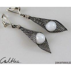 Biżuteria i zegarki: Białe w rożku – klipsy