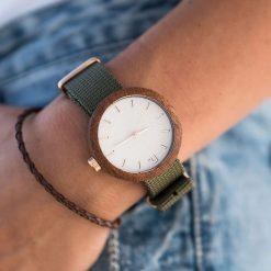 Zegarek Neat Zegarek damski New Hoop drewniany sapelli biało-złoty I 38mm. Białe zegarki damskie Neat, złote. Za 324,00 zł.