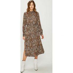 Answear - Sukienka Animal Me. Szare długie sukienki marki ANSWEAR, na co dzień, l, z tkaniny, casualowe, proste. W wyprzedaży za 149,90 zł.