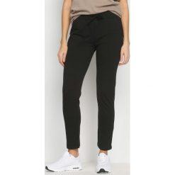 Spodnie dresowe damskie: Czarne Spodnie Keep Fit