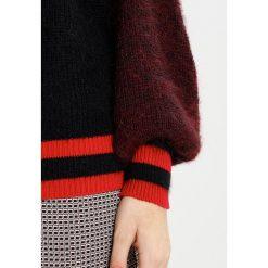 Swetry klasyczne damskie: Sisley Sweter red