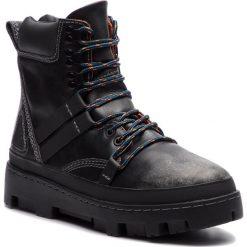 Trapery DIESEL - D-Vibe Hikeb Y01818 P0134 T8013 Black. Czarne botki męskie Diesel, z nubiku. Za 1039,00 zł.